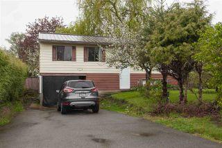 "Photo 2: 8713 MILTON Drive in Surrey: Bear Creek Green Timbers House for sale in ""Bear Creek"" : MLS®# R2262703"