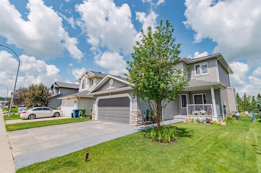 Main Photo: 76 Fairways Drive NW: Airdrie Detached for sale : MLS®# A1128063