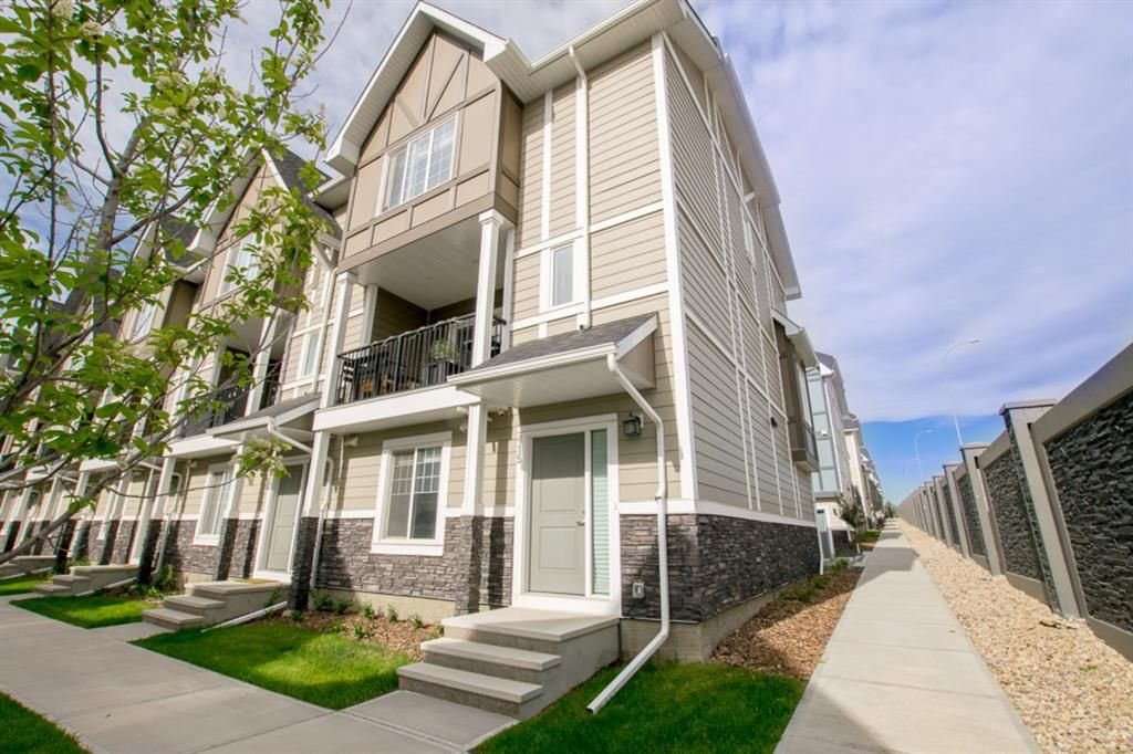 Main Photo: 415 Nolanlake Villas NW in Calgary: Nolan Hill Row/Townhouse for sale : MLS®# A1116207