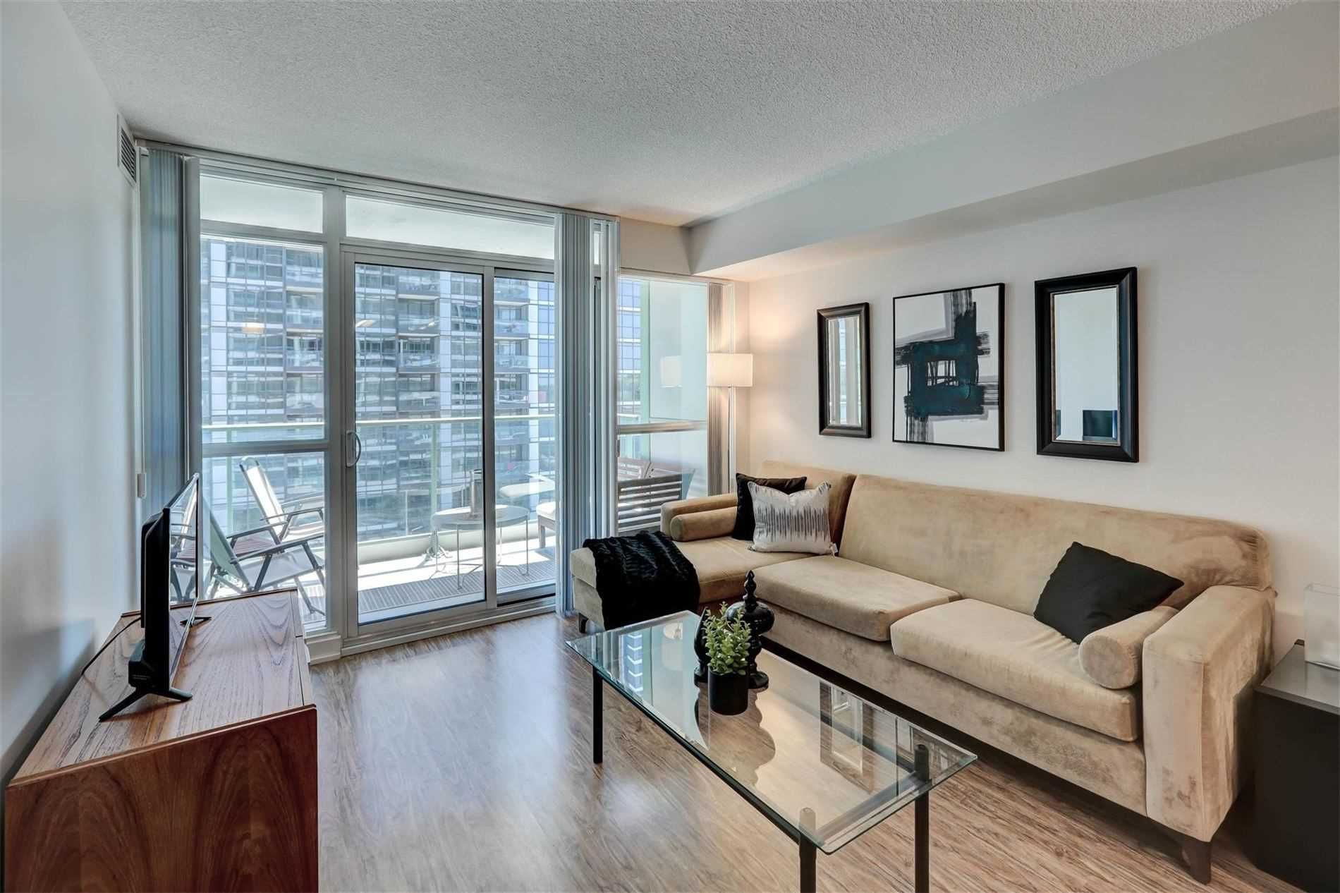 Main Photo: 712 15 Singer Court in Toronto: Bayview Village Condo for sale (Toronto C15)  : MLS®# C4800880
