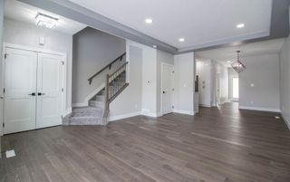 Photo 2: 6427 176 Avenue NW in Edmonton: Zone 03 House for sale : MLS®# E4224782