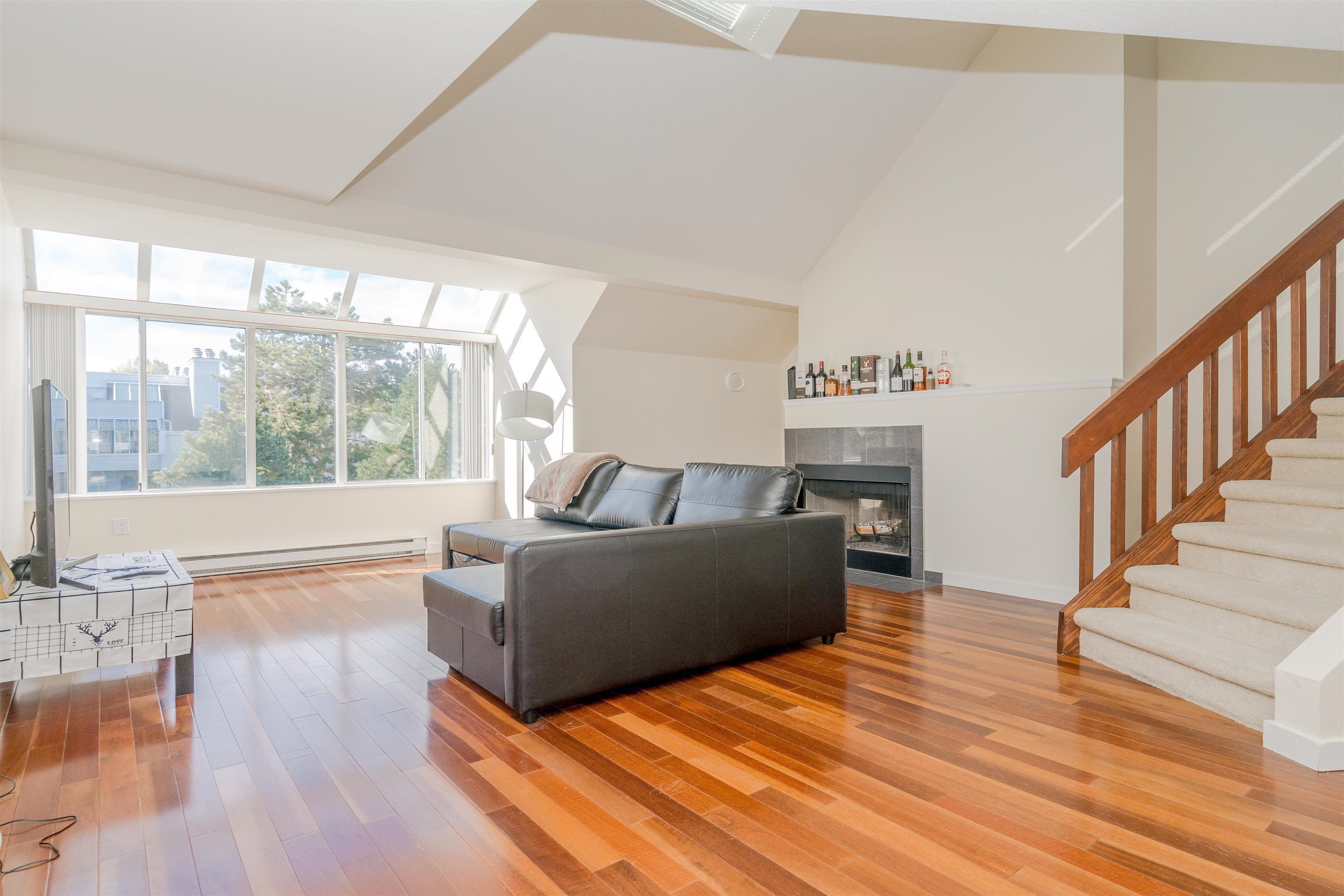 """Main Photo: 304 7471 BLUNDELL Road in Richmond: Brighouse South Condo for sale in """"CANTERBURY COURT"""" : MLS®# R2625296"""