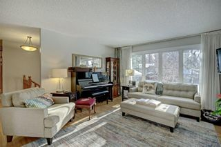 Photo 7: 6742 Leaside Drive SW in Calgary: Lakeview Detached for sale : MLS®# A1137827