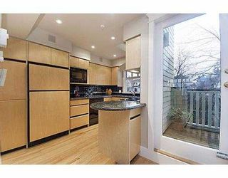 Photo 9: 3354 POINT GREY Road in Vancouver: Kitsilano 1/2 Duplex for sale (Vancouver West)  : MLS®# V688370