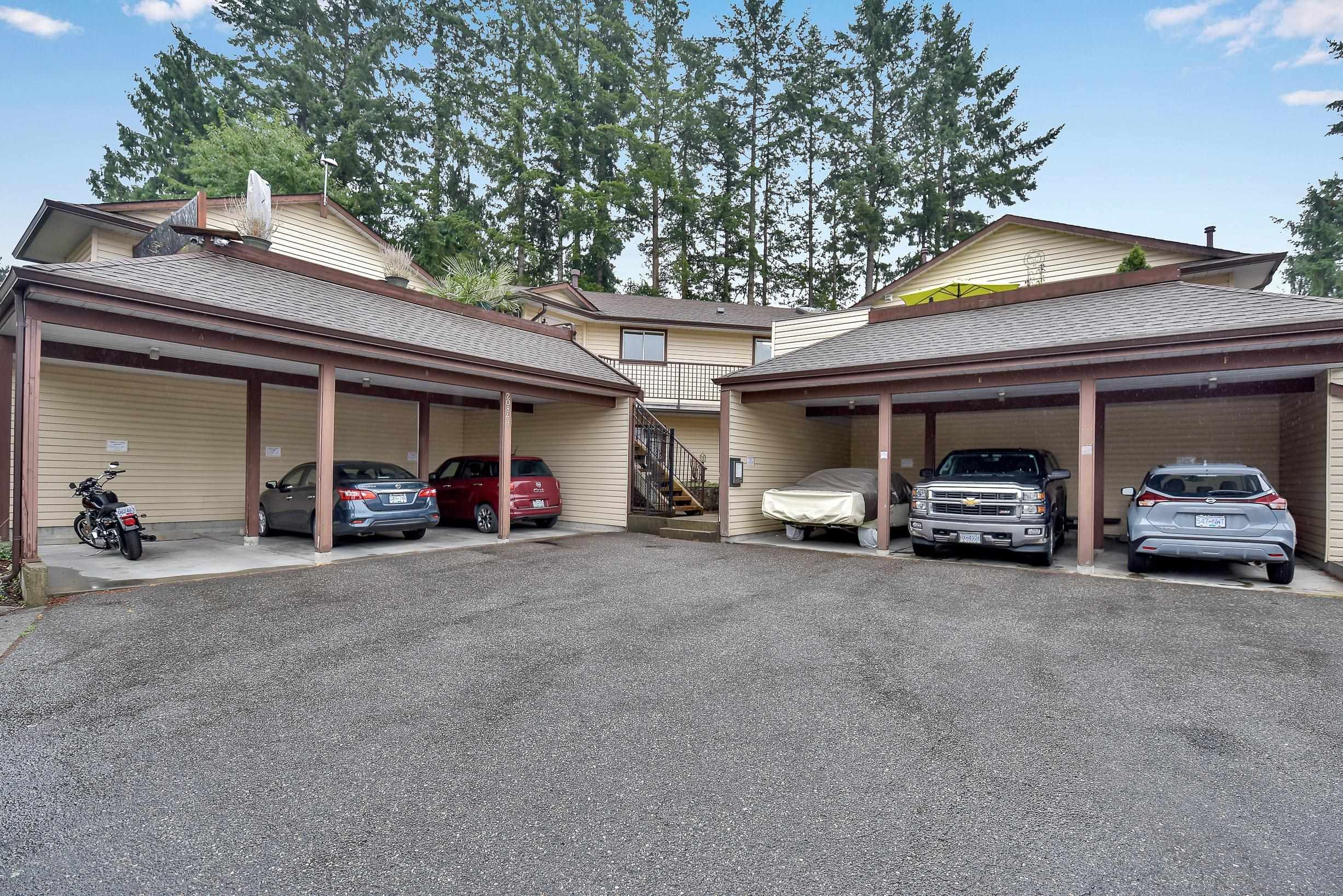 """Main Photo: 5 20848 DOUGLAS Crescent in Langley: Langley City Townhouse for sale in """"brookside terrace"""" : MLS®# R2611248"""
