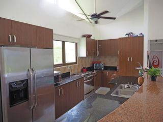 Photo 14: Trinity Hills Valley - 3 bedroom on large lot