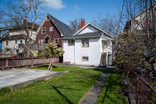 "Photo 4: 2142 NAPIER Street in Vancouver: Grandview Woodland House for sale in ""Grandview Woodland"" (Vancouver East)  : MLS®# R2450268"