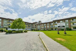 Photo 4: 322 45598 McIntosh Drive in Chilliwack: Chilliwack W Young-Well Condo for sale : MLS®# R2273089