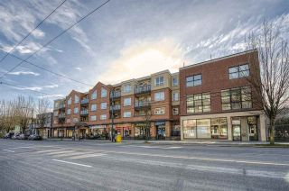 """Photo 2: 212 3638 W BROADWAY in Vancouver: Kitsilano Condo for sale in """"Coral Court"""" (Vancouver West)  : MLS®# R2543062"""