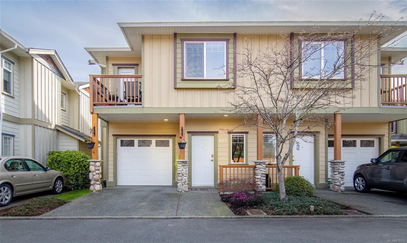 Main Photo: 137 951 Goldstream Ave in : La Goldstream Row/Townhouse for sale (Langford)  : MLS®# 870115