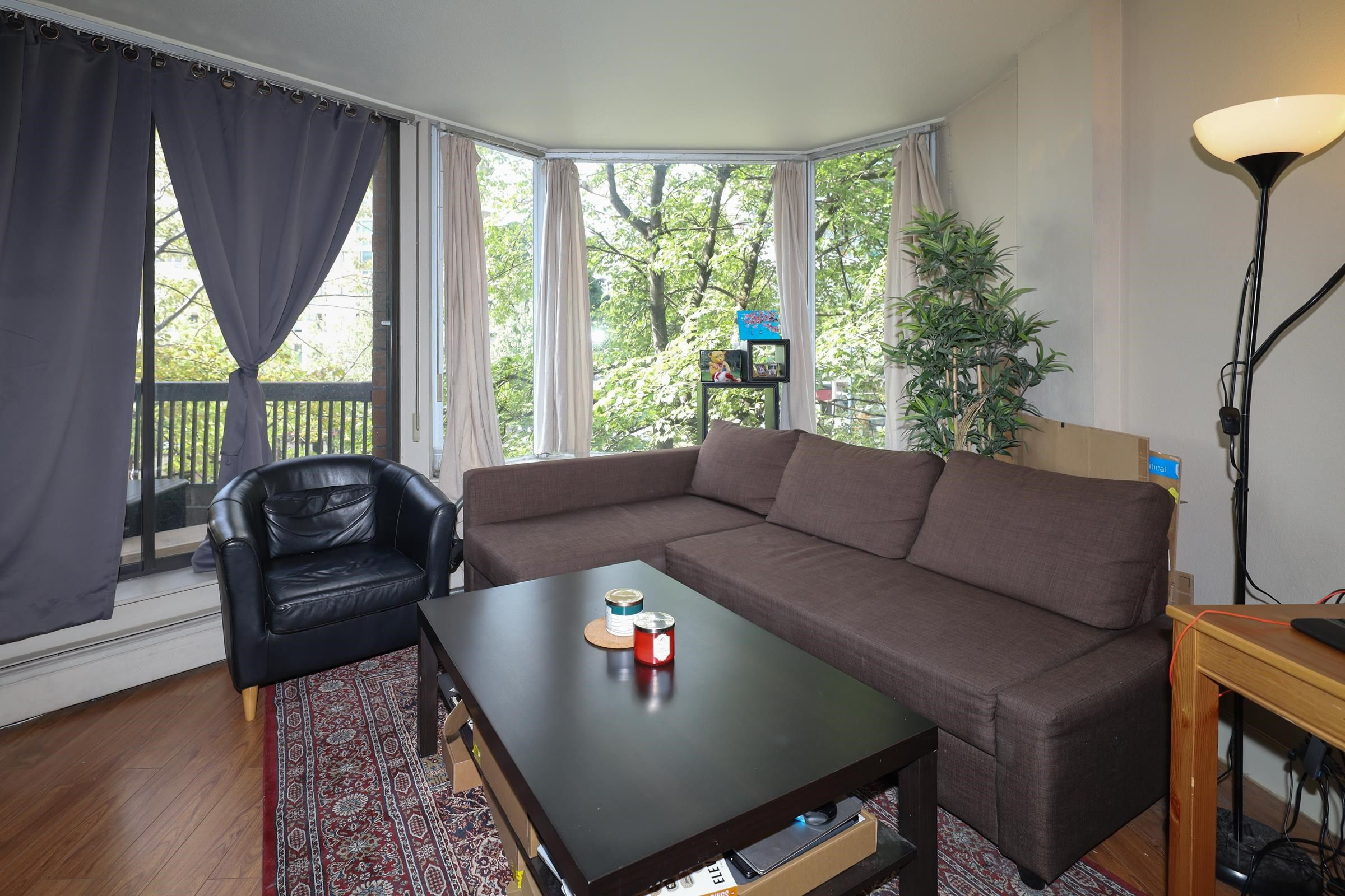 Main Photo: 405 1330 BURRARD Street in Vancouver: Downtown VW Condo for sale (Vancouver West)  : MLS®# R2612588