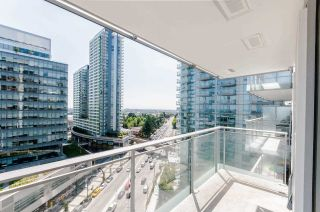 """Photo 12: 1802 455 SW MARINE Drive in Vancouver: Marpole Condo for sale in """"W1"""" (Vancouver West)  : MLS®# R2382915"""