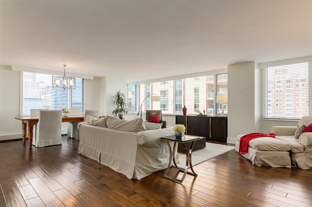 Main Photo: 802D 500 EAU CLAIRE Avenue SW in Calgary: Eau Claire Apartment for sale : MLS®# A1020034