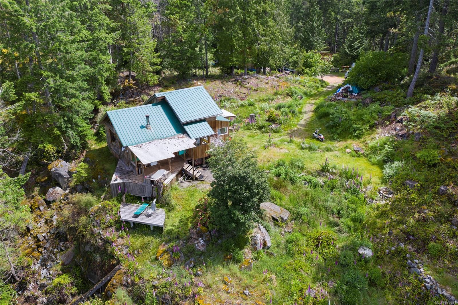 Photo 14: Photos: 979 Thunder Rd in : Isl Cortes Island House for sale (Islands)  : MLS®# 878691