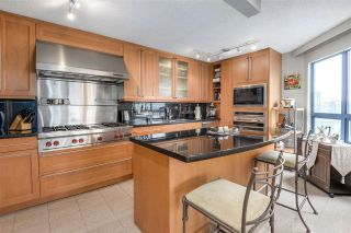 """Photo 6: 902 1415 W GEORGIA Street in Vancouver: Coal Harbour Condo for sale in """"Palais Georgia"""" (Vancouver West)  : MLS®# R2163813"""