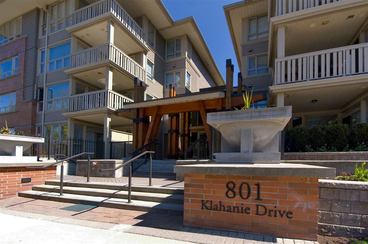 "Main Photo: 423 801 KLAHANIE Drive in Port Moody: Port Moody Centre Condo for sale in ""Inglenook"" : MLS®# R2374740"