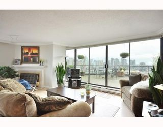 """Photo 4: 1107 1450 PENNYFARTHING Drive in Vancouver: False Creek Condo for sale in """"HARBOUR COVE"""" (Vancouver West)  : MLS®# V810158"""