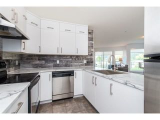 Photo 4: 105 378 ESPLANADE Avenue: Harrison Hot Springs Condo for sale : MLS®# R2441659