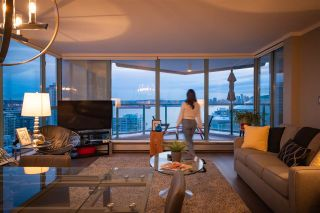 """Photo 25: 1401 120 W 2ND Street in North Vancouver: Lower Lonsdale Condo for sale in """"The Observatory"""" : MLS®# R2526275"""