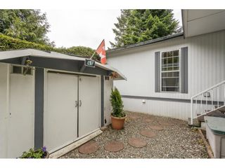"""Photo 18: 74 9080 198 Street in Langley: Walnut Grove Manufactured Home for sale in """"Forest Green Estates"""" : MLS®# R2457126"""