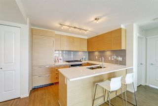 """Photo 3: 3105 6658 DOW Avenue in Burnaby: Metrotown Condo for sale in """"Moda by Polygon"""" (Burnaby South)  : MLS®# R2392983"""