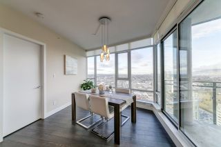 """Photo 3: 3702 2008 ROSSER Avenue in Burnaby: Brentwood Park Condo for sale in """"Stratus at Solo District"""" (Burnaby North)  : MLS®# R2426460"""