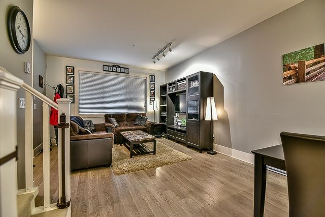 Photo 3: Photos: 23 12161 237 STREET in Maple Ridge: East Central Townhouse for sale : MLS®# R2043751