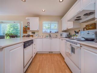 Photo 8: 877 INGLIS Road in Gibsons: Gibsons & Area House for sale (Sunshine Coast)  : MLS®# R2566657