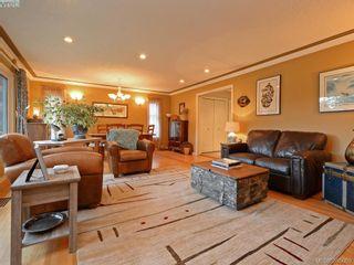 Photo 2: 5450 Alderley Rd in VICTORIA: SE Cordova Bay House for sale (Saanich East)  : MLS®# 773792