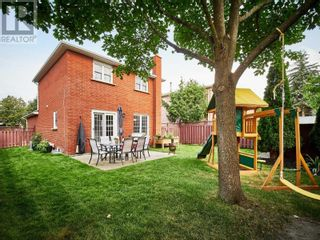 Photo 4: 18 LINDEN LANE in Whitchurch-Stouffville: House for sale : MLS®# N5400142