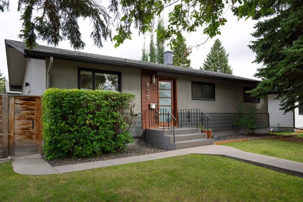 Main Photo: 100 Hollyburn Road SW in Calgary: Haysboro Detached for sale : MLS®# A1145022