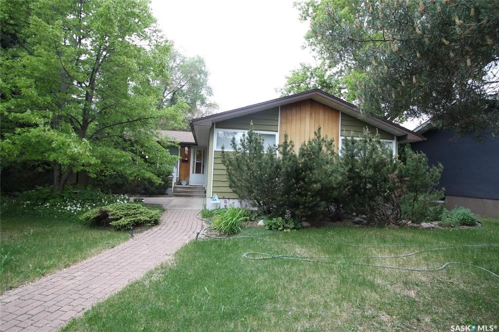 Main Photo: 3 Ling Street in Saskatoon: Greystone Heights Residential for sale : MLS®# SK858942