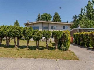Photo 2: 3316 SAANICH Street in Abbotsford: Abbotsford West House for sale : MLS®# R2348756