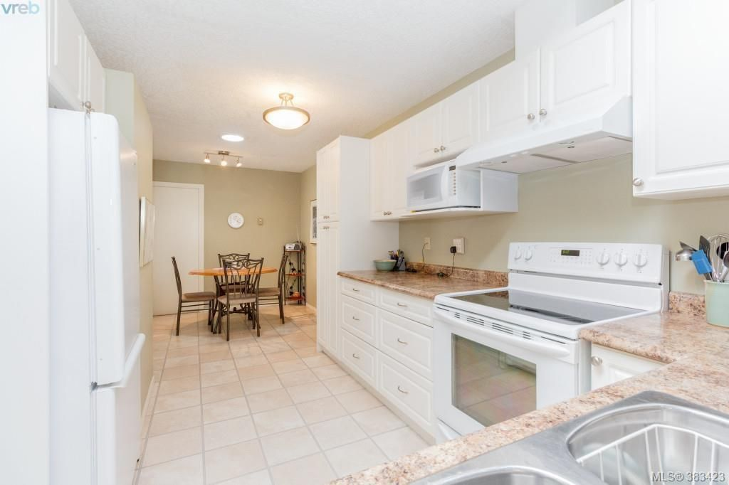 Photo 7: Photos: 20 3049 Brittany Dr in VICTORIA: Co Sun Ridge Row/Townhouse for sale (Colwood)  : MLS®# 770629