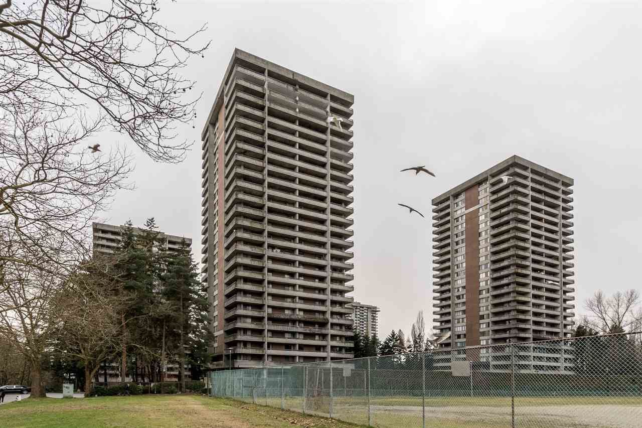 "Main Photo: 1705 3755 BARTLETT Court in Burnaby: Sullivan Heights Condo for sale in ""Timberlea ""The Oak"""" Tower B"" (Burnaby North)  : MLS®# R2537229"