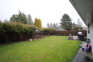 Photo 3: 1936 159A Street in Surrey: King George Corridor House for sale (South Surrey White Rock)  : MLS®# R2432938