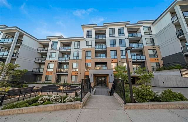 Main Photo: A211 20087 68 Avenue in Langely: Willoughby Heights Condo for sale (Langley)  : MLS®# R2571315