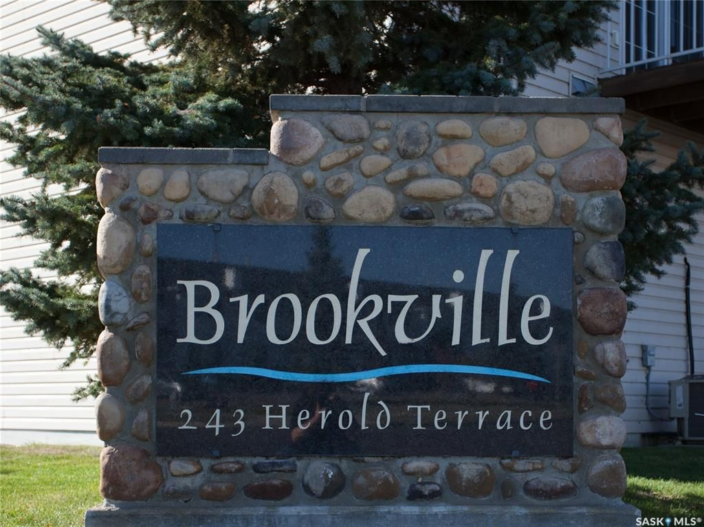 Main Photo: 14 243 Herold Terrace in Saskatoon: Lakewood S.C. Residential for sale : MLS®# SK873679