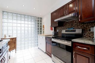 "Photo 12: 202 2668 ASH Street in Vancouver: Fairview VW Condo for sale in ""CAMBRIDGE GARDENS"" (Vancouver West)  : MLS®# R2510443"
