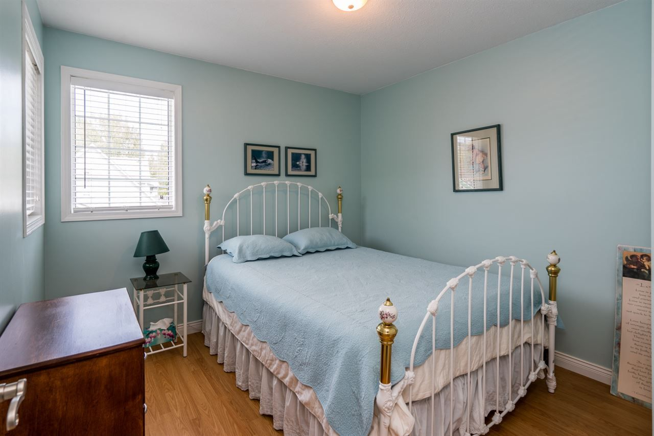 """Photo 12: Photos: 1726 SOMMERVILLE Road in Prince George: North Blackburn House for sale in """"SOMMERVILLE"""" (PG City South East (Zone 75))  : MLS®# R2102795"""