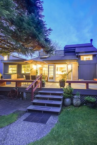 Photo 2: 1546 HOPE Road in North Vancouver: Pemberton NV House for sale : MLS®# V1056418
