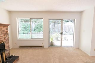 Photo 5: 7 3966 Cedar Hill Cross Rd in VICTORIA: SE Maplewood Row/Townhouse for sale (Saanich East)  : MLS®# 791628