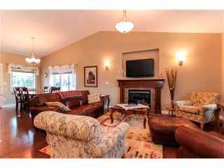 Photo 3: 24 Vermont Close: Olds House for sale : MLS®# C4027121