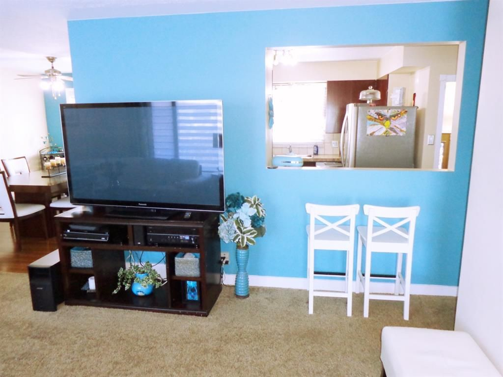 Photo 4: Photos: 5856 West Park Crescent in Red Deer: West Park Residential for sale : MLS®# A1067266