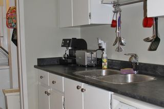 """Photo 6: 116 13507 96 Street in Surrey: Whalley Condo for sale in """"Parkwoods - Balsam"""" (North Surrey)  : MLS®# R2180405"""