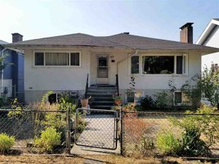 Photo 1: 148 E 64TH Avenue in Vancouver: South Vancouver House for sale (Vancouver East)  : MLS®# R2294635