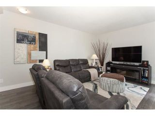 "Photo 5: 113 19433 68 Avenue in Surrey: Clayton Townhouse for sale in ""The Grove"" (Cloverdale)  : MLS®# R2303599"