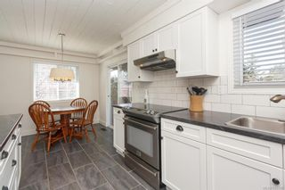 Photo 12: 2202 Bradford Ave in : Si Sidney North-East House for sale (Sidney)  : MLS®# 836589