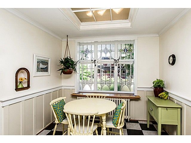 """Photo 9: Photos: 402 SIXTH Avenue in New Westminster: Queens Park House for sale in """"QUEEN'S PARK"""" : MLS®# V1083749"""