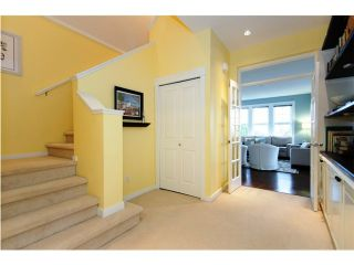 """Photo 4: 4 19452 FRASER Way in Pitt Meadows: South Meadows Townhouse for sale in """"SHORELINE"""" : MLS®# V881557"""